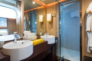 Aria - bathroom
